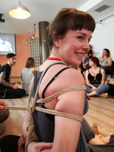Workshop de Shibari por el Club Rosas cinco